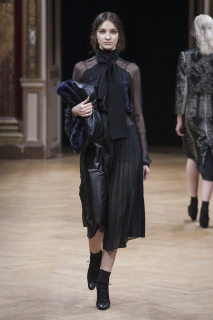 sharon-wauchob-rtw-fw14-paris-8291