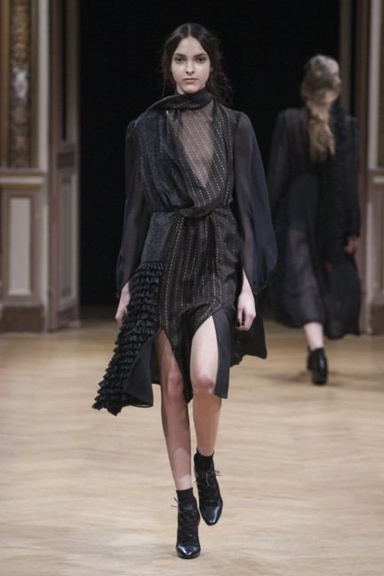 sharon-wauchob-rtw-fw14-paris-8322