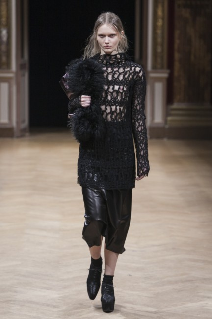 sharon-wauchob-rtw-fw14-paris-8351