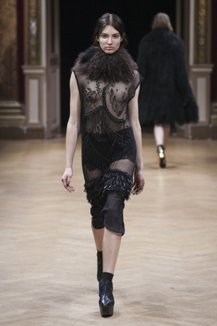 sharon-wauchob-rtw-fw14-paris-8404