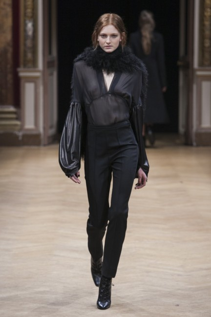 sharon-wauchob-rtw-fw14-paris-8499
