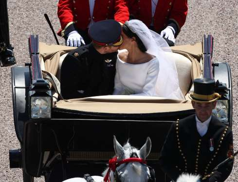 the-royal-wedding-happy-impromptu-moments-from-the-day-56