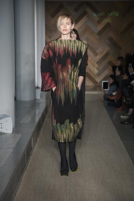 nam-jung-choi-royal-college-of-art-2014-womenswear