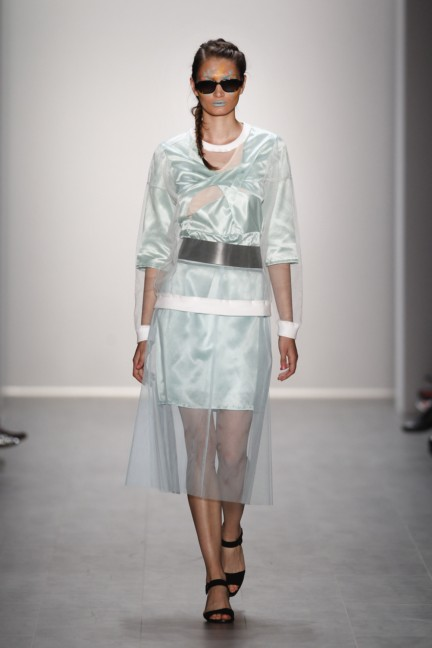 rebekka-ruetz-mercedes-benz-fashion-week-berlin-spring-summer-2015-11