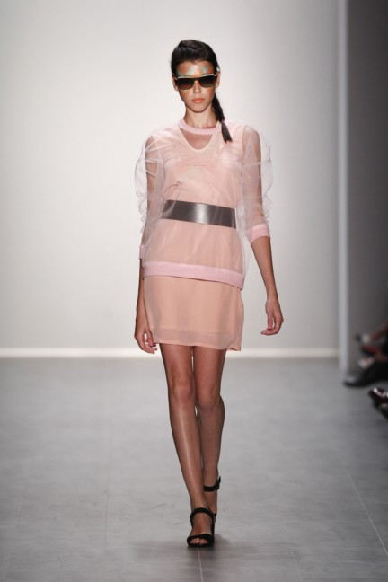 rebekka-ruetz-mercedes-benz-fashion-week-berlin-spring-summer-2015-19