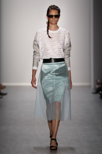 rebekka-ruetz-mercedes-benz-fashion-week-berlin-spring-summer-2015-23