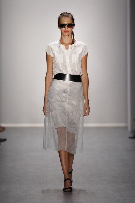 rebekka-ruetz-mercedes-benz-fashion-week-berlin-spring-summer-2015-24