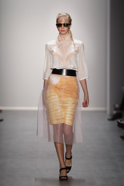 rebekka-ruetz-mercedes-benz-fashion-week-berlin-spring-summer-2015-26
