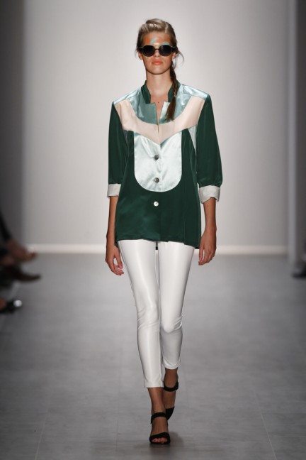 rebekka-ruetz-mercedes-benz-fashion-week-berlin-spring-summer-2015-27