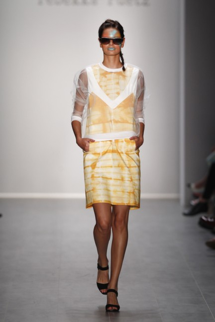 rebekka-ruetz-mercedes-benz-fashion-week-berlin-spring-summer-2015-28