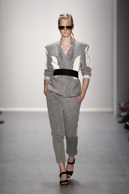 rebekka-ruetz-mercedes-benz-fashion-week-berlin-spring-summer-2015-30