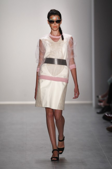 rebekka-ruetz-mercedes-benz-fashion-week-berlin-spring-summer-2015-31