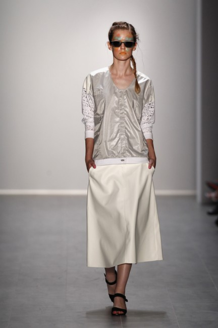 rebekka-ruetz-mercedes-benz-fashion-week-berlin-spring-summer-2015-33