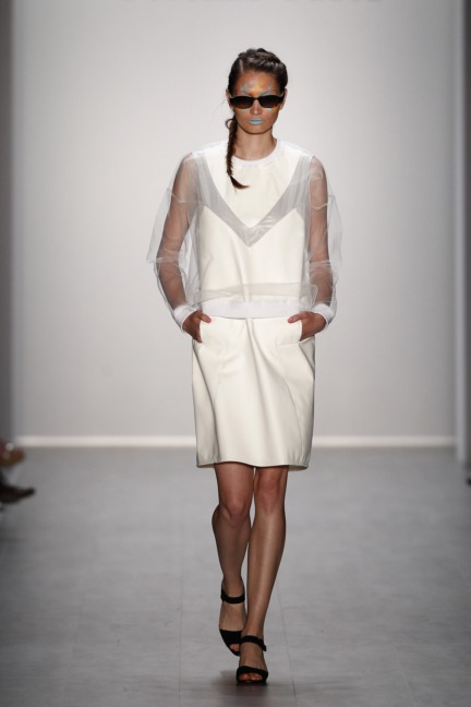 rebekka-ruetz-mercedes-benz-fashion-week-berlin-spring-summer-2015-35