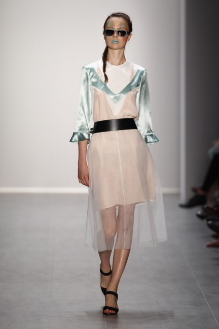 rebekka-ruetz-mercedes-benz-fashion-week-berlin-spring-summer-2015-5