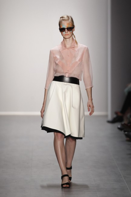 rebekka-ruetz-mercedes-benz-fashion-week-berlin-spring-summer-2015-6
