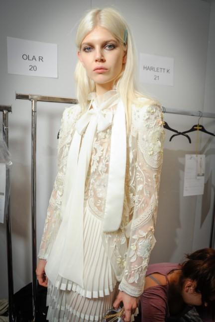 roberto-cavalli-milan-fashion-week-spring-summer-2015-backstage-16