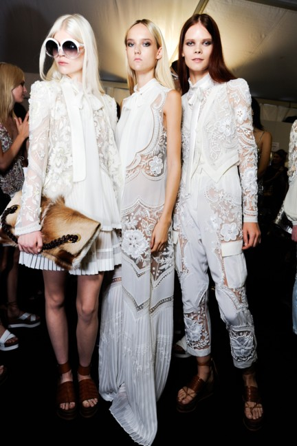 roberto-cavalli-milan-fashion-week-spring-summer-2015-backstage-27