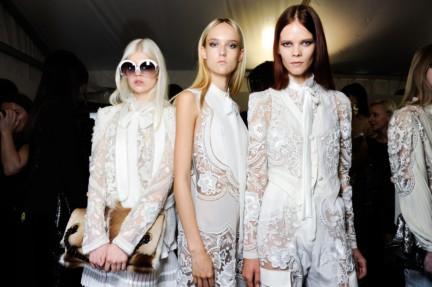 roberto-cavalli-milan-fashion-week-spring-summer-2015-backstage-28