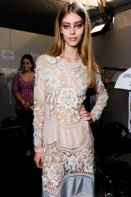 roberto-cavalli-milan-fashion-week-spring-summer-2015-backstage-29