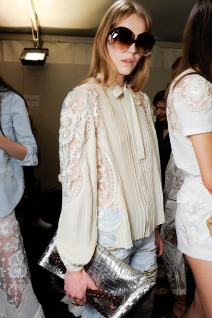 roberto-cavalli-milan-fashion-week-spring-summer-2015-backstage-32