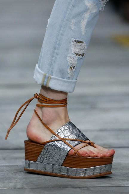 roberto-cavalli-milan-fashion-week-spring-summer-2015-details-136