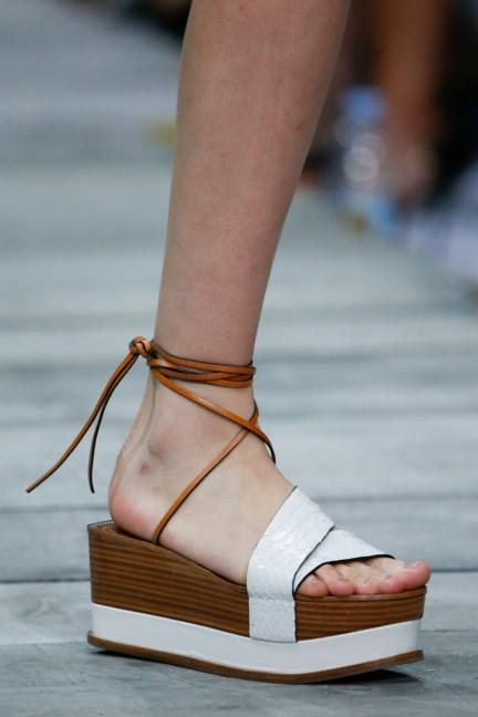 roberto-cavalli-milan-fashion-week-spring-summer-2015-details-47