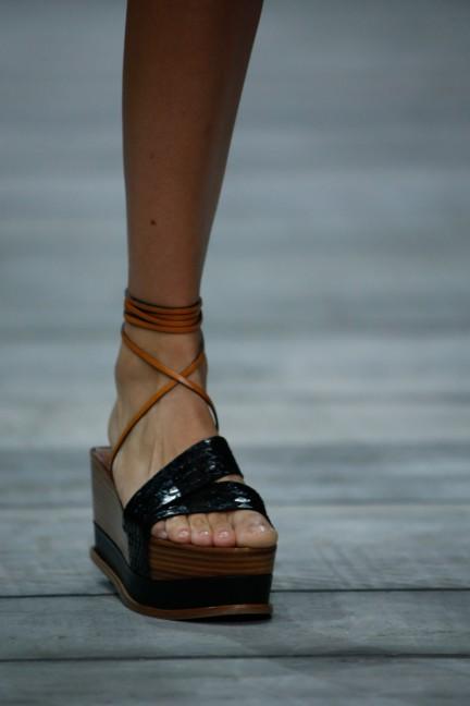 roberto-cavalli-milan-fashion-week-spring-summer-2015-details-50