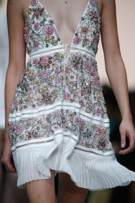 roberto-cavalli-milan-fashion-week-spring-summer-2015-details-54