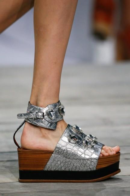 roberto-cavalli-milan-fashion-week-spring-summer-2015-details-88
