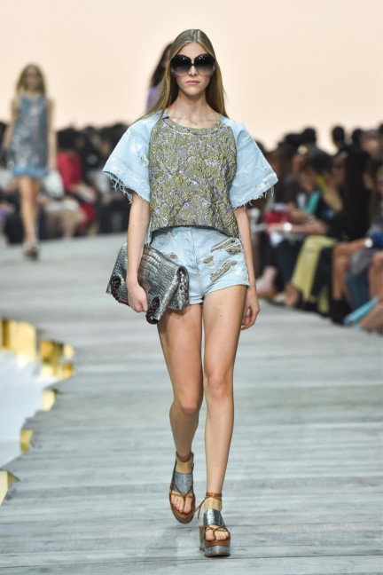 roberto-cavalli-milan-fashion-week-spring-summer-2015-runway-27