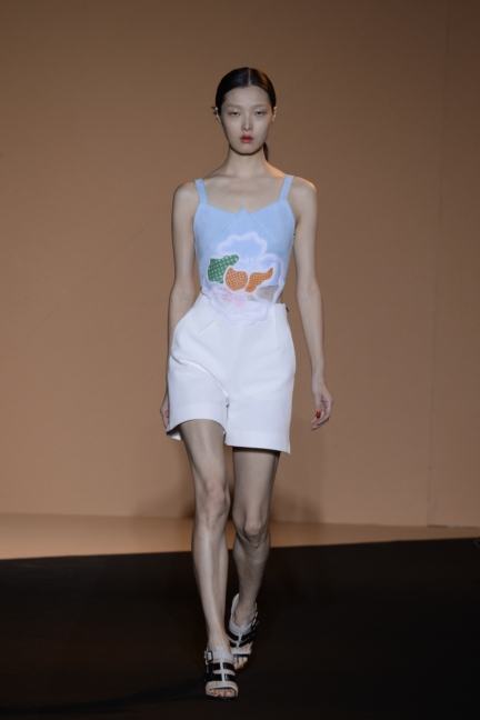 roland-mouret-paris-fashion-week-spring-summer-2015-12