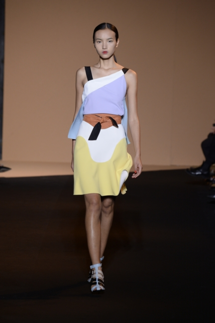 roland-mouret-paris-fashion-week-spring-summer-2015-13