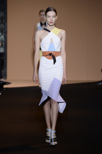 roland-mouret-paris-fashion-week-spring-summer-2015-14