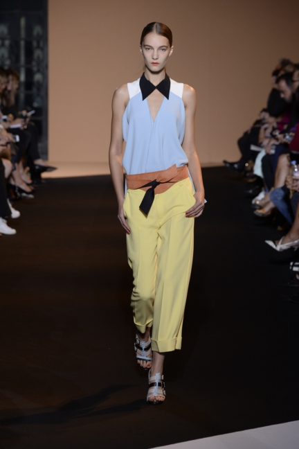 roland-mouret-paris-fashion-week-spring-summer-2015-15