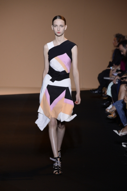 roland-mouret-paris-fashion-week-spring-summer-2015-18