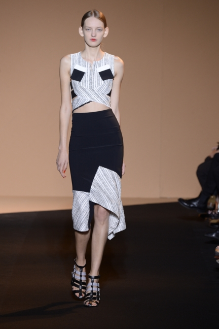 roland-mouret-paris-fashion-week-spring-summer-2015-23