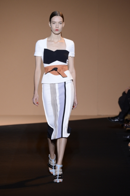 roland-mouret-paris-fashion-week-spring-summer-2015-32