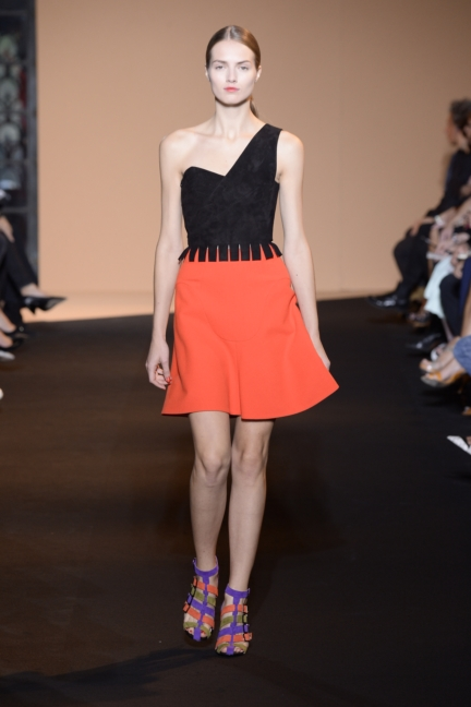 roland-mouret-paris-fashion-week-spring-summer-2015-33