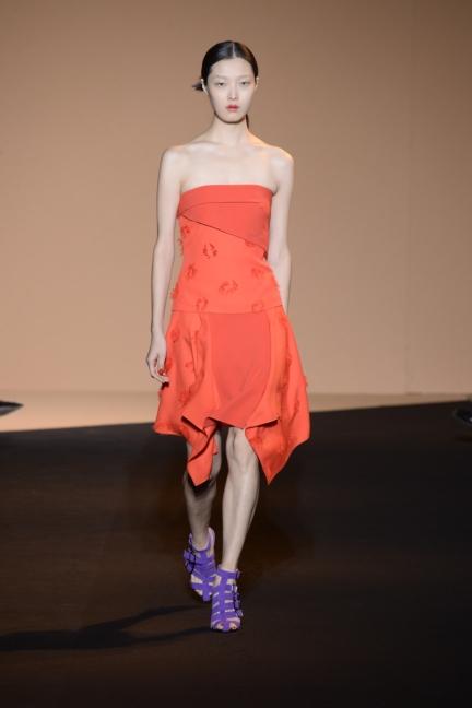 roland-mouret-paris-fashion-week-spring-summer-2015-35