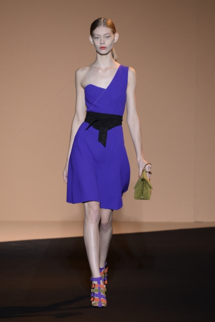 roland-mouret-paris-fashion-week-spring-summer-2015-38