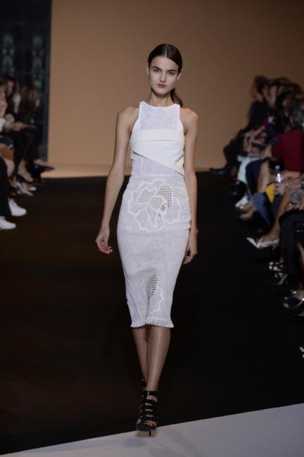 roland-mouret-paris-fashion-week-spring-summer-2015-7