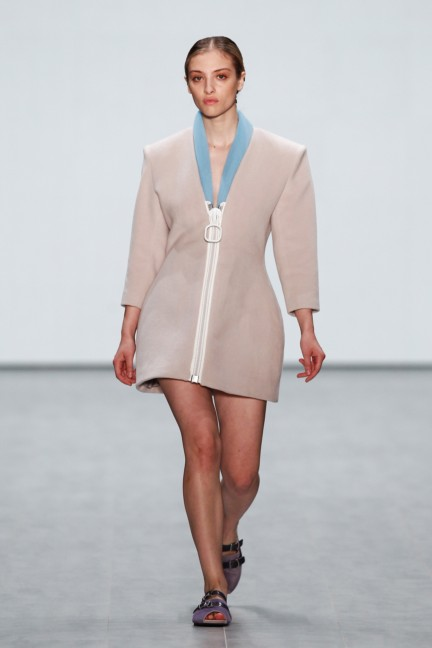 roshi-porkar-mercedes-benz-fashion-week-berlin-autumn-winter-2015-12