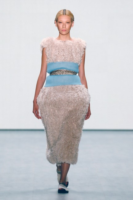roshi-porkar-mercedes-benz-fashion-week-berlin-autumn-winter-2015-19