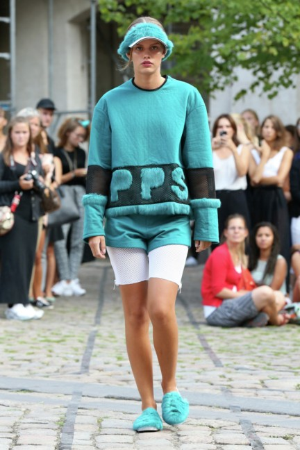 Royal-Danish-Academy-of-Fine-Arts-Copenhagen-Fashion-Week-Spring-Summer-2015-10