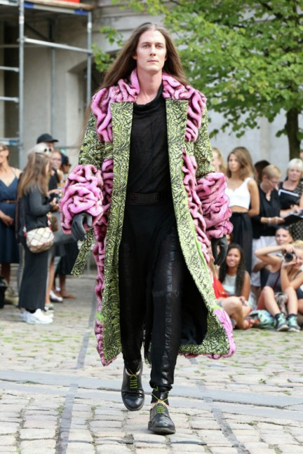 Royal-Danish-Academy-of-Fine-Arts-Copenhagen-Fashion-Week-Spring-Summer-2015-12