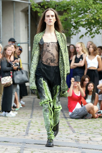 Royal-Danish-Academy-of-Fine-Arts-Copenhagen-Fashion-Week-Spring-Summer-2015-14
