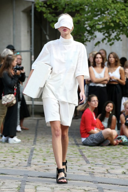 Royal-Danish-Academy-of-Fine-Arts-Copenhagen-Fashion-Week-Spring-Summer-2015-15