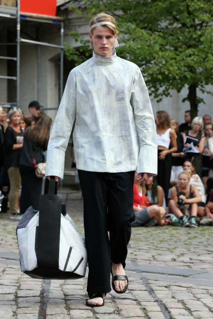 Royal-Danish-Academy-of-Fine-Arts-Copenhagen-Fashion-Week-Spring-Summer-2015-17
