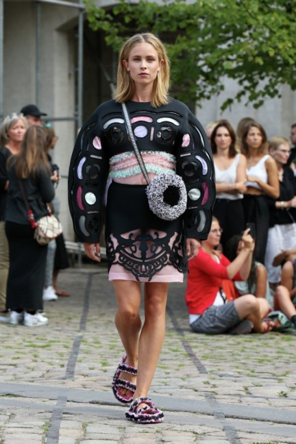 Royal-Danish-Academy-of-Fine-Arts-Copenhagen-Fashion-Week-Spring-Summer-2015-20